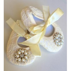 Lace pearl diamante shoe & headband set - IVORY